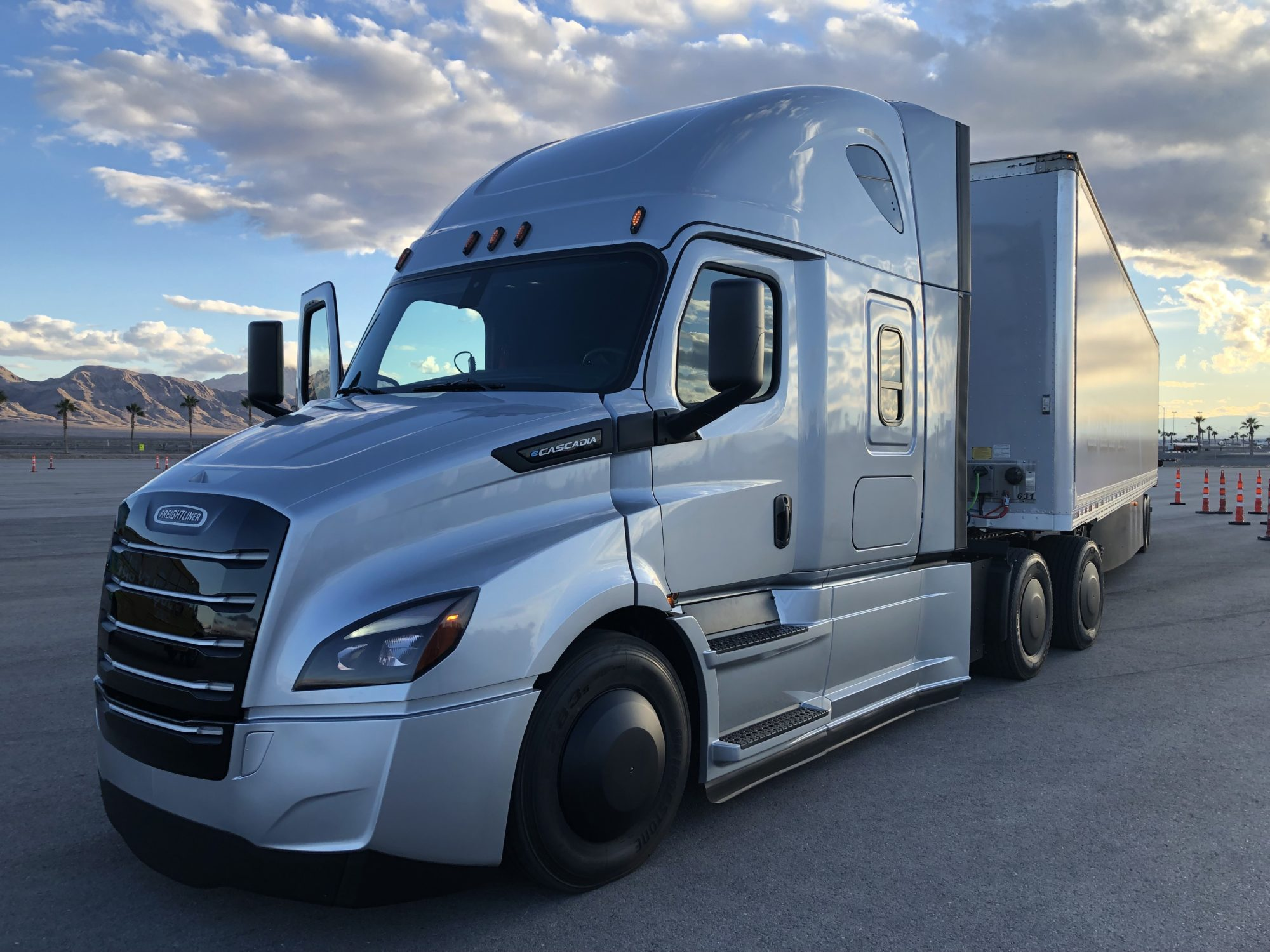 Battery-Electric Vehicles Archives | Today's TruckingToday's Trucking
