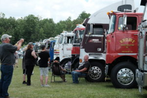 Diamond Reo 1948 DSCF6541 | Today's TruckingToday's Trucking