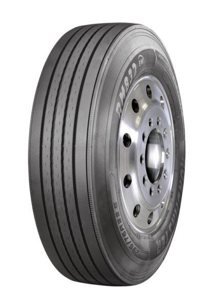 Cooper Tire Roadmaster steer tire